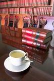 5 lagliga kaffekopp Arkivbild