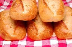 5 Laibe Brot Lizenzfreie Stockfotos