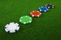 5 microplaquetas de póquer diferentes Imagens de Stock