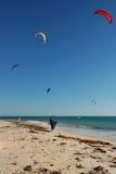 5 surfers de cerf-volant Photo libre de droits
