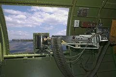 .50 cal. Metralhadora da cintura B-17 Foto de Stock