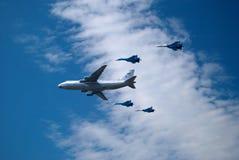 A-50 et quatre supportent des avions Photos libres de droits