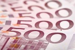 500 euro billets de banque éventés à l'extérieur Photos stock