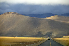 5100m在西藏的la lalung尼泊尔往 免版税库存照片