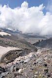5642m mot floden för oklarhetselbrusglaciär Royaltyfria Foton