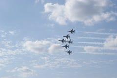 6只航空腹部Delta强制通过雷鸟 库存照片