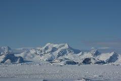 6座南极洲山 免版税库存照片
