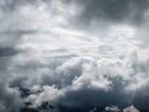 6朵云彩天空 免版税库存图片