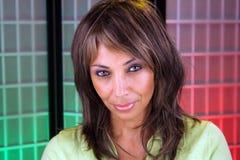 6美好的黑色headshot成熟妇女 免版税库存图片