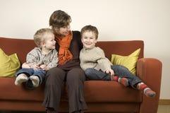 6 γιοι δύο μητέρων Στοκ φωτογραφία με δικαίωμα ελεύθερης χρήσης