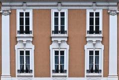 6 передних окон дома Стоковое Изображение
