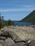 6 средних нижних камней mult озера Стоковые Фотографии RF