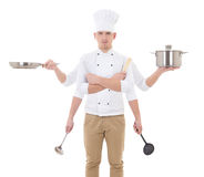 Έννοια μαγειρέματος - νεαρός άνδρας στον αρχιμάγειρα ομοιόμορφο με το κράτημα 6 χεριών Στοκ Φωτογραφίες