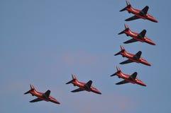 6 aviões vermelhos da seta Fotografia de Stock Royalty Free