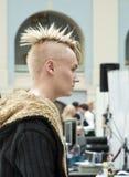 6 idérika frisyrer för konkurrens man s Arkivfoto