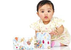6 månad för 8 spädbarn royaltyfri bild