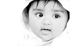 6 mois de 8 enfants en bas âge Images stock