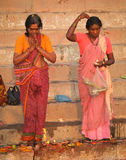 6 ινδοί άνθρωποι Varanasi Νοεμβρίο Στοκ Εικόνα