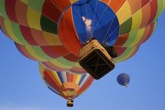 6 varma luftballonger Arkivbild