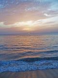 6 wybrzeża Florydy dawn na wschód na plaży Fotografia Royalty Free