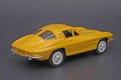63 Chevrolet Corvette黄貂鱼 免版税库存图片