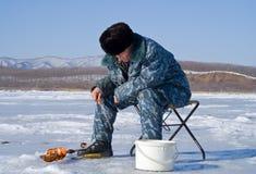 66钓鱼的冬天 免版税库存照片