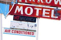 66 покинутый знак трассы мотеля стоковое изображение
