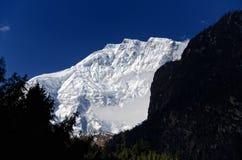 6983m himal lamjung挂接 免版税图库摄影
