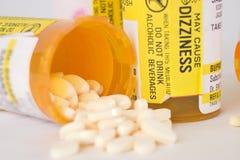 7个瓶治疗药片规定 免版税库存图片