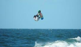7只风筝冲浪者 库存图片