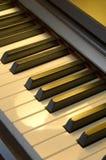 7台仪器关键董事会音乐会钢琴 免版税库存照片