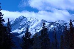 7多雪的山 免版税库存照片