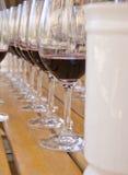 7 σειρές δοκιμάζοντας κρασιού Στοκ Φωτογραφία