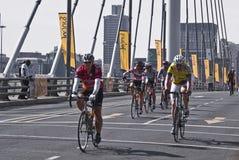 7 94个桥梁挑战循环孟得拉车手 库存图片