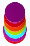 7 askar färgade runt arkivfoton