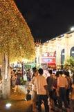 7 bangkok december tycker om storslagna nattpa-turister Arkivbild