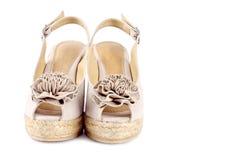 7 kvinnor för wedge för s-sandalssuede Royaltyfri Foto