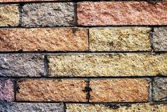 70块砖装饰壁炉边s墙壁 免版税库存图片