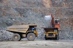 70 tonvrachtwagens Stock Foto's