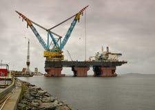 7000台起重机最大的s saipem船世界 库存图片