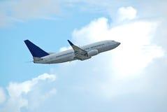 737波音起飞 库存照片