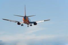 737 boeing landning Royaltyfri Fotografi