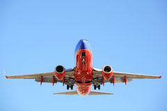 737 flygbolag som landar southwest Royaltyfri Bild