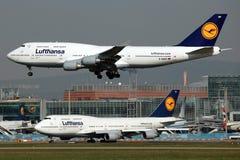 747 boeing lufthansa Royaltyfri Bild