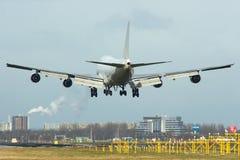 747 boeing till landningsögonblicken Fotografering för Bildbyråer