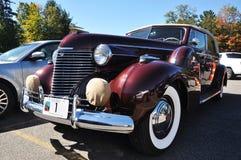 75 1940年卡迪拉克敞篷车轿车系列 免版税库存照片