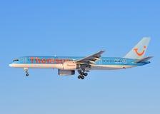 757 boeing thomson Royaltyfria Bilder