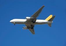 767架飞机波音货物 库存图片