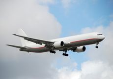 767 boeing laststråle Arkivfoton