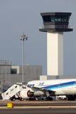 在紧急787登陆的波音 免版税库存照片
